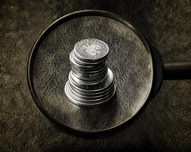 zkoumání peněz