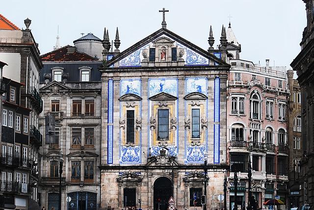 budova v Portugalsku
