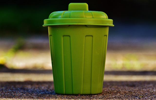zelená popelnice